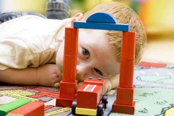 premier-age-eveil-jouer-pour-grandir-cm16fotolia-5123988-l-5081-556x556