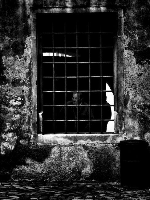 reve-emprisonnement-noir-clairemedium