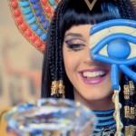 """Katy Perry : le clip """"Dark Horse"""" et les signes illuminati"""