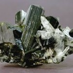 Pierres : Epidote