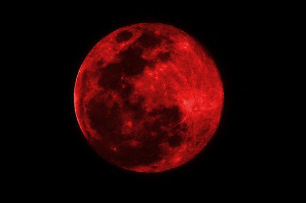 lune_mars-2015-rouge