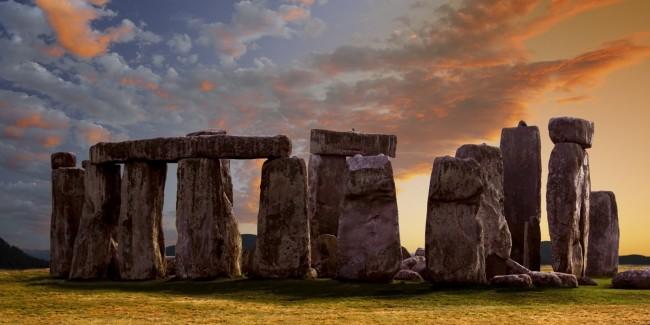 stonehenge une