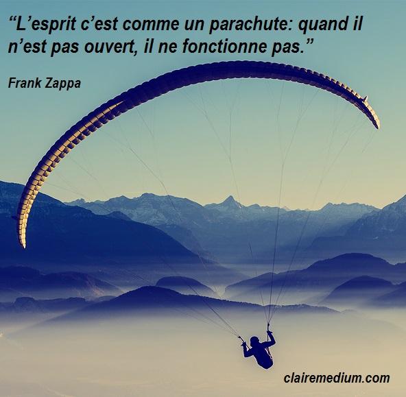 parachute-citation-semaine-carre-zappa