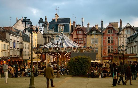 troyes-carousel.paristhiva.flickr