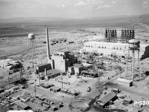 Hanford_B-Reactor_Area_1944