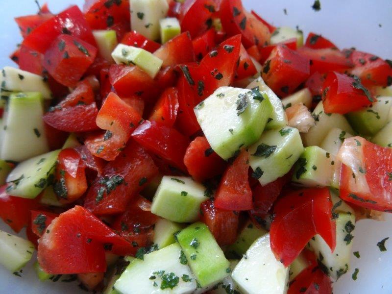 Recette : salade crue colorée